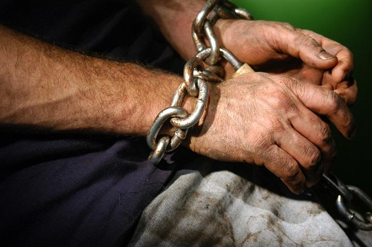 Жителя Пярнумаа взяли в рабство, чтобы получить на его имя кредиты