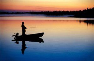 Пярнуские спасатели помогли заблудившемуся рыбаку выбраться на берег