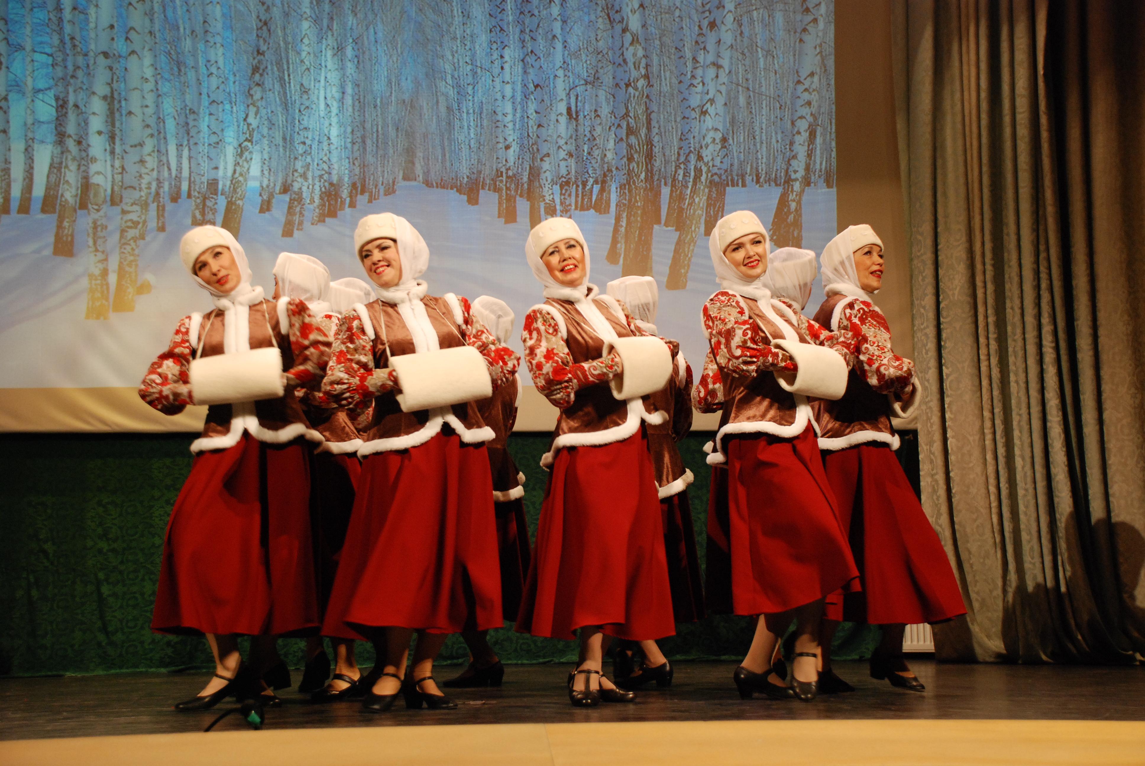В Пярну прошел фестиваль народного танца